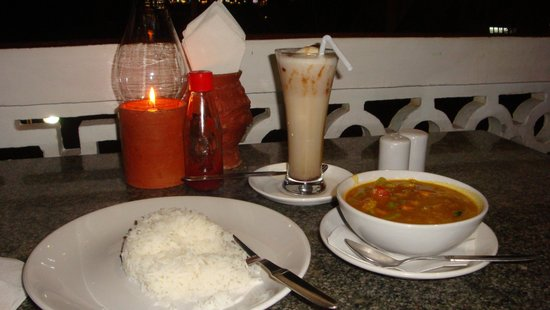 Fusion Restaurant: Vegetable curry with basmati rice and the date shake