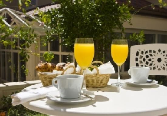 Hotel Croatia: room servis free of charge