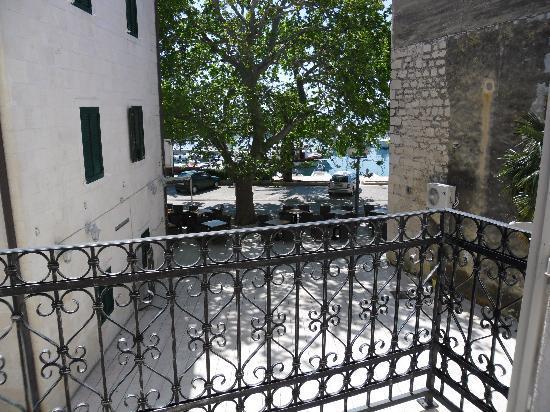 Hotel Croatia: room 103 - small balcony