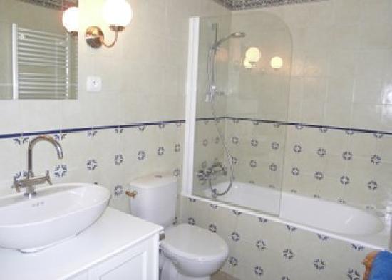 Repos a Riberac : Monbazillac bathroom