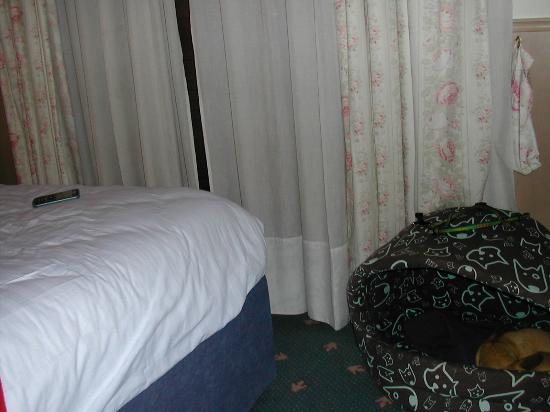 Olympic Palace: camera, dovevo saltare la cuccia del mio cane per andare in bagno