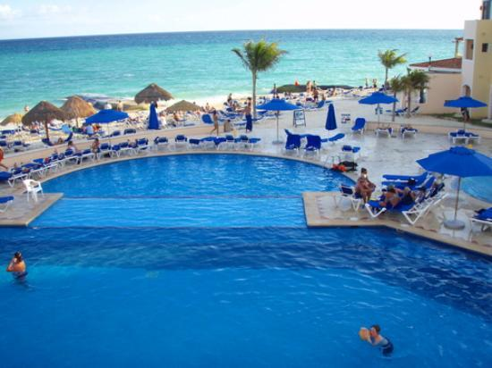 Viva Wyndham Maya: la piscine du viva maya
