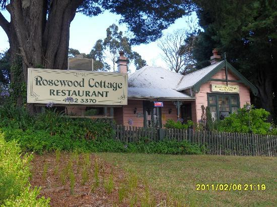 Rosewood Cottage Bar & Grill: Rosewood by day