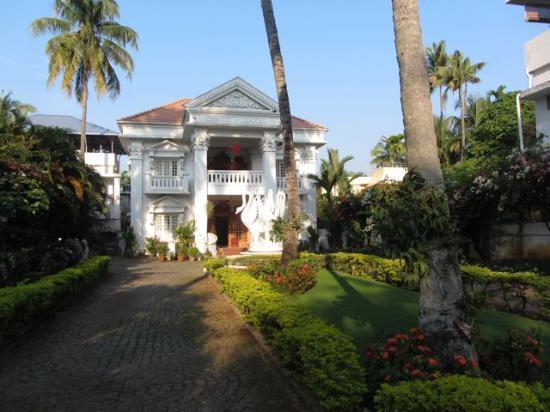 Chackupurakal: Entry to Chak Inn