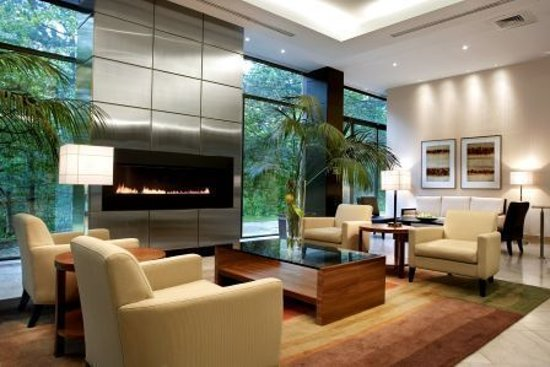 The Westin Prince Toronto: Lobby Fireplace