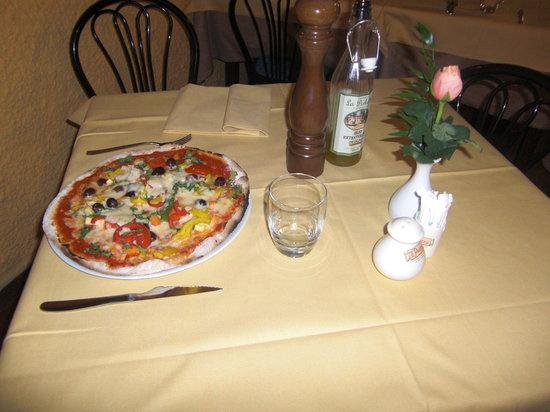 Pieve Fosciana, Italy: le nostre pizze