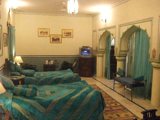 Hari Mahal Palace: No king Bed in our room