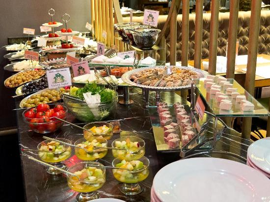 Hotel Sultania: a part of breakfast like jewelry box