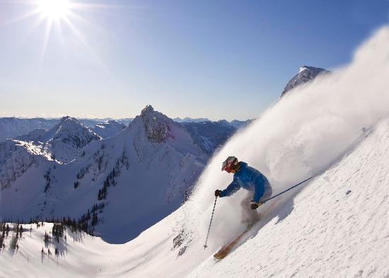 Fernie, Canada: Skiing at Island Lake Catskiing