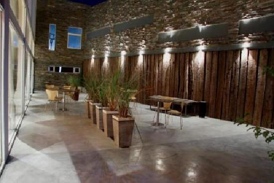 Wam Hotel Patagonico: patio interno