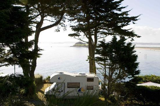 Camping ar Kleguer : emplacement vue mer