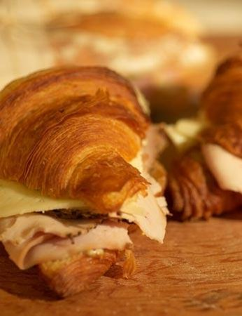 Bakery Nouveau : Delicious Pastries, Fresh baked Bread and Wonderful Sandwiches