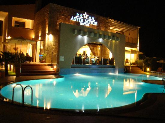 Astir Notos Hotel: nice evenings!
