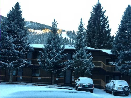 Aspen Lodge: View from front door