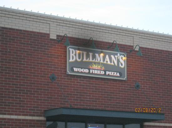 Bullman's Pizza of Billings: outside Bullman's sign