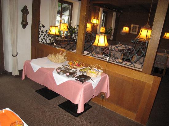 Hotel Wittelsbach: Complimentary Continental Breakfast Buffett