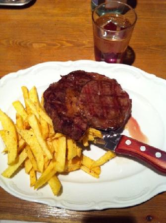 Hilton ParkSA Istanbul: steak