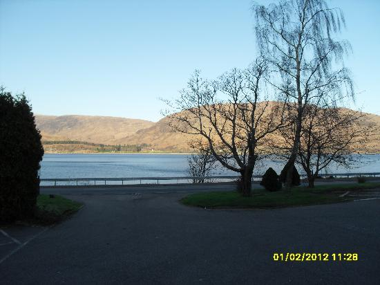 Bay Caledonian Hotel: View from hotel front