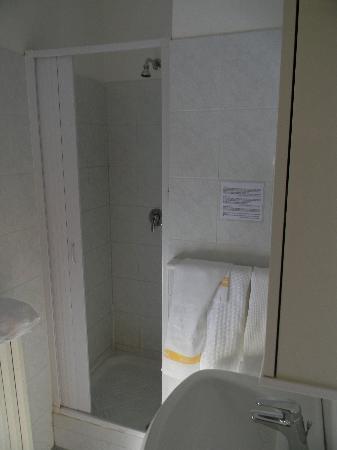 Hotel Giampy: bagno1