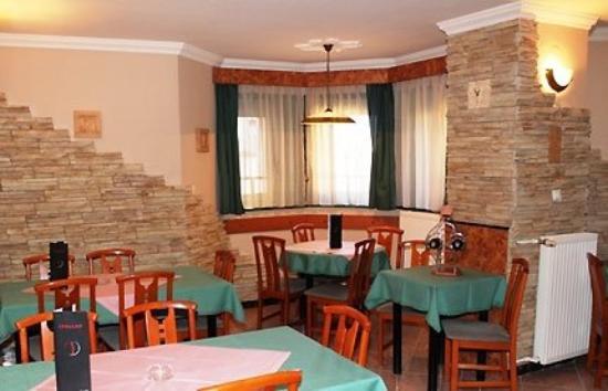 Villa Hotel Kristal: Restaurant