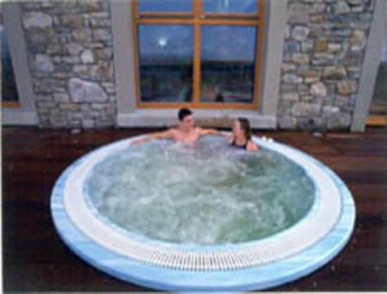Lough Allen Hotel & Spa: Hot Tub