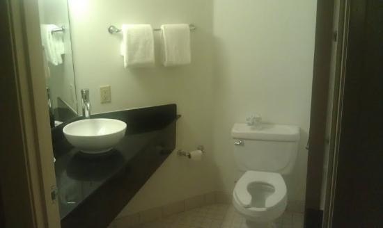 Motel 6 Bristol: The bathroom, updated since that 2008 pic