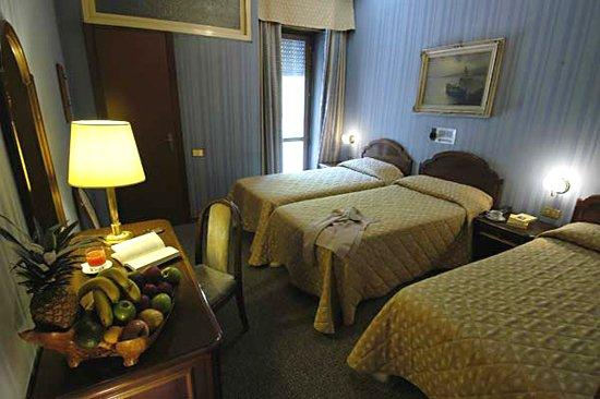 Hotel Accursio: Triple room