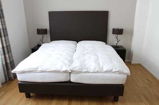 Hotel Edelweiss Davos: Das Bett unseres Doppelzimmer Delux