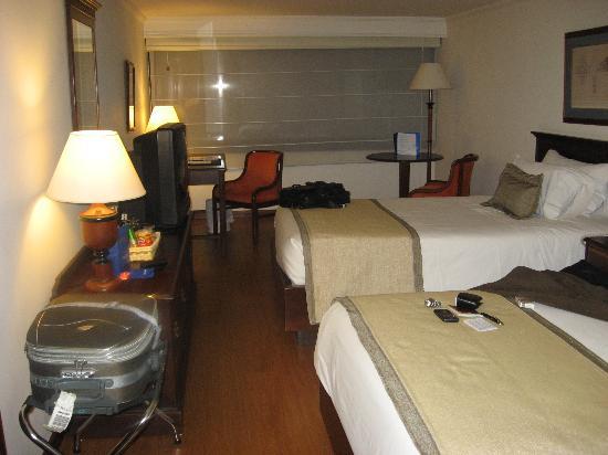 NH Bogota Metrotel Royal: Habitación cama doble