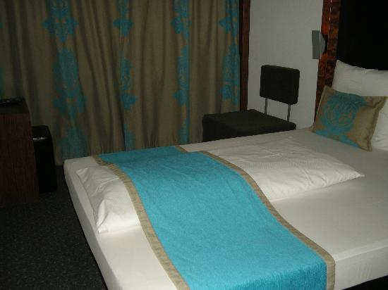 Motel One Nuernberg-City: Bedroom 427