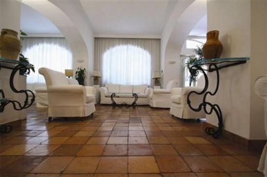 Villa Romana Hotel: Lobby view