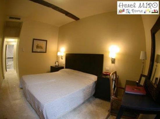 Le Chateau Blanc: Guest Room