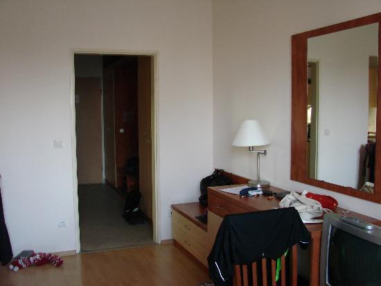 Hotel Relax Apartman Sarvar : our room 107