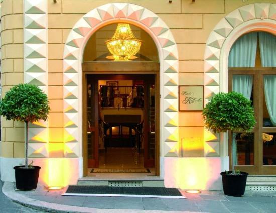 Hotel Raffaello: Exterior View