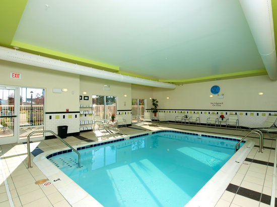 Fairfield Inn & Suites by Marriott Cookeville: Relax in our indoor heated pool