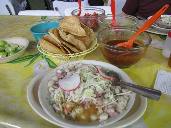 Mercado San Camilito: Yummy Food!