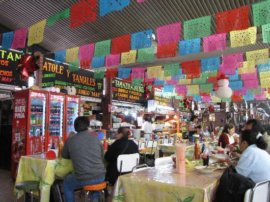Mercado San Camilito: A view of the restaurant