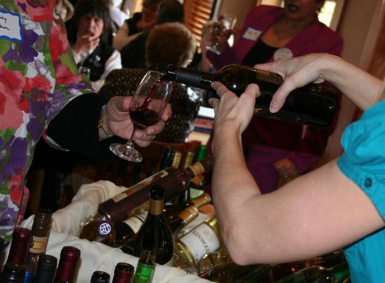 Prairie Bay Grill: Wine from 2nd Thursday