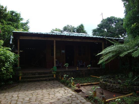 Parque Nacional El Imposible: Oficinas del hostal y restaurante