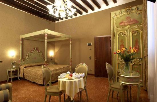 Hotel Al Ponte Mocenigo: junior suite