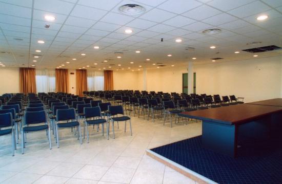 Gallia Hotel : Htl Gallia Meeting Room