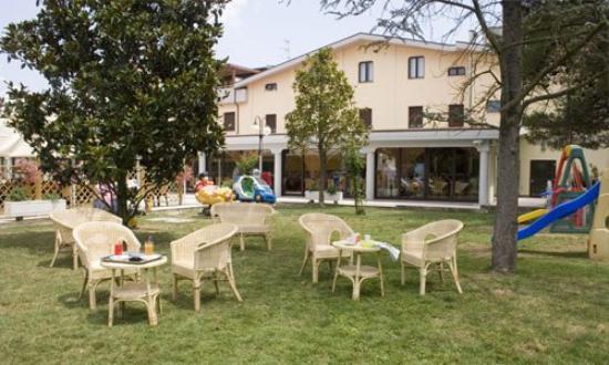 Lago Verde Hotel Restaurant & Park : Exterior View