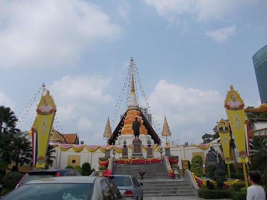 扬纳瓦寺院