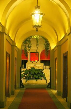 Rome Central Suites: Lobby view