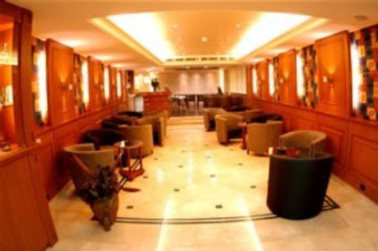 Cavalier Hotel: Lobby View