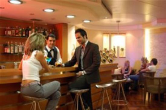 Cavalier Hotel: Bar