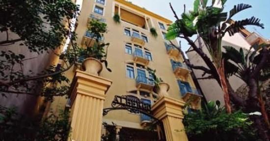 Hotel Albergo: Exterior