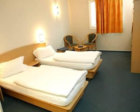 Hotel-Restaurant Stand Inn: Guest Room