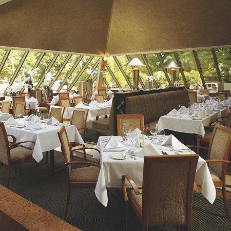 Radisson Blu Ridzene Hotel: Restaurant Piramida