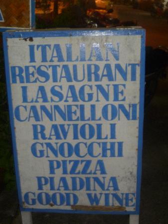Cucina Italiana: panneaux d'entrée
